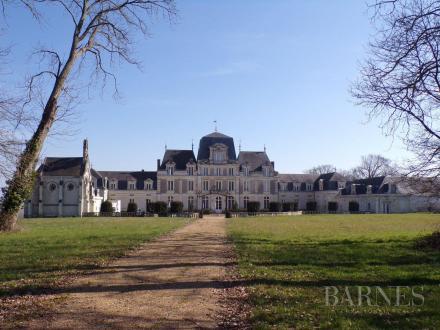 Luxus-Schloss / Herrenhaus zu verkaufen ANGERS, 1900 m², 2500000€