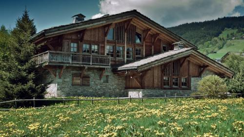 Luxury Chalet for sale MEGEVE, 212 m², 5 Bedrooms, € 3 780 000