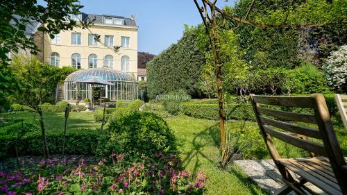 Luxury House for sale JODOIGNE, 442 m², 5 Bedrooms, €795000
