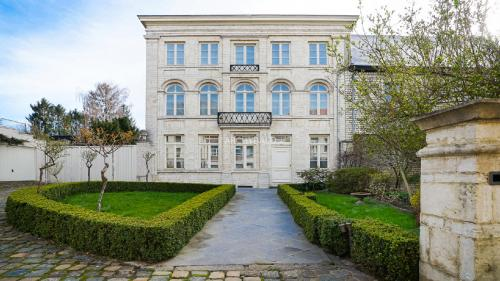 Luxury House for sale JODOIGNE, 442 m², 5 Bedrooms