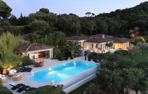 Maison de luxe à louer SAINT TROPEZ, 5 Chambres,