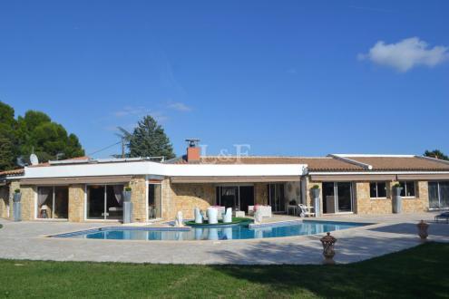 Luxury Villa for sale VALBONNE, 250 m², 3 Bedrooms