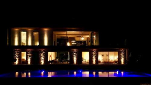 Luxe Huis te huur CAP D'ANTIBES, 320 m², 5 Slaapkamers