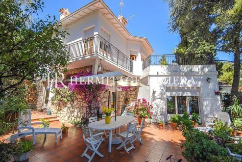Maison de luxe à vendre ROQUEBRUNE CAP MARTIN, 180 m², 4 Chambres, 1580000€