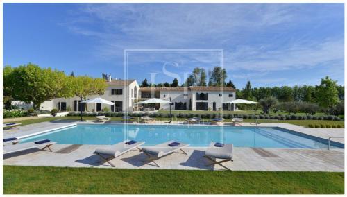 Maison de luxe à louer SAINT REMY DE PROVENCE, 900 m², 7 Chambres