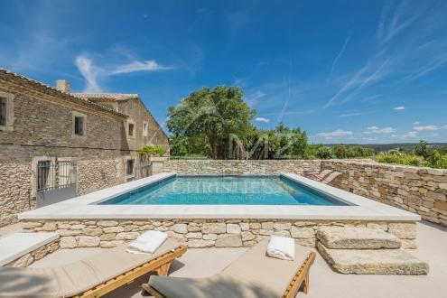 Luxury House for rent MENERBES, 220 m², 4 Bedrooms,