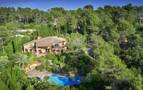 Maison de luxe à vendre MOUANS SARTOUX, 600 m², 7 Chambres, 2900000€