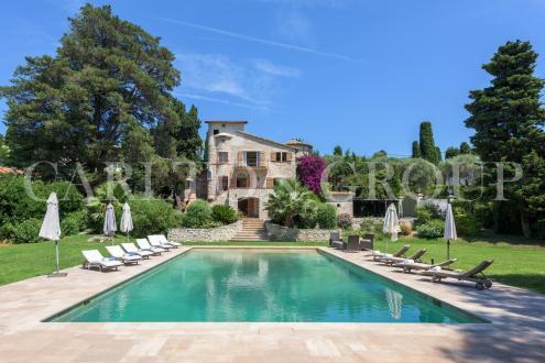 Maison de luxe à louer CAP D'ANTIBES, 380 m², 6 Chambres,
