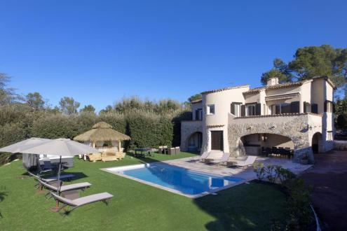 Luxury Villa for sale GRASSE, 195 m², 3 Bedrooms, €998000