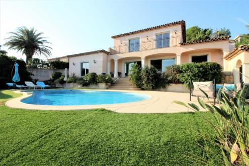 Maison de luxe à vendre SAINT AYGULF, 175 m², 3 Chambres, 1200000€