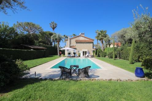 Luxury House for rent CAP D'ANTIBES, 160 m², 4 Bedrooms