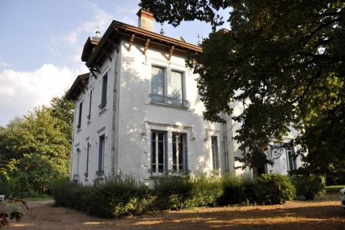 Propriété de luxe à vendre TARARE, 375 m², 8 Chambres, 550000€