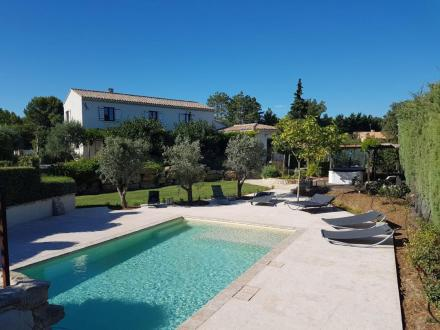 Luxury House for sale SAUMANE DE VAUCLUSE, 245 m², 4 Bedrooms, € 1 030 000