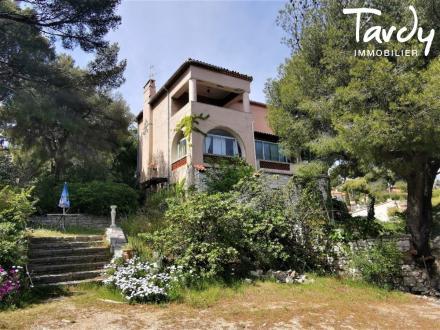 Maison de luxe à vendre CASSIS, 280 m², 6 Chambres, 2300000€