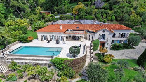 Вилла класса люкс на продажу  Канны, 440 м², 4 Спальни, 9900000€