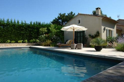 Luxury House for rent EYGALIERES, 270 m², 3 Bedrooms, € 3 700/month