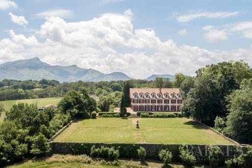 Luxury Castle for rent CIBOURE, 700 m², 9 Bedrooms,