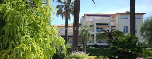 Appartement de luxe à louer CAP D'ANTIBES, 120 m², 3 Chambres