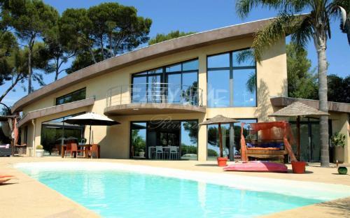 Luxury Villa for sale CANNES, 185 m², 3 Bedrooms