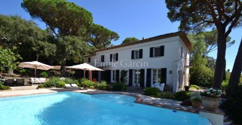 Luxury House for rent SAINT TROPEZ, 350 m², 5 Bedrooms,