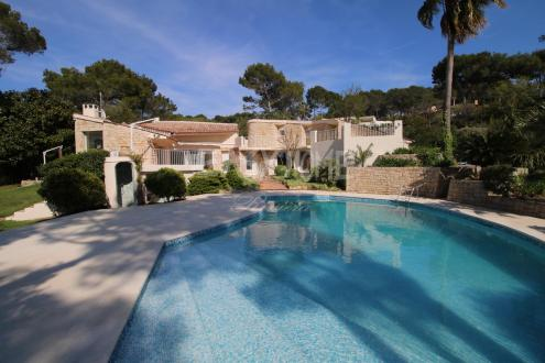 Villa de luxe à vendre MOUGINS, 250 m², 4 Chambres, 2350000€