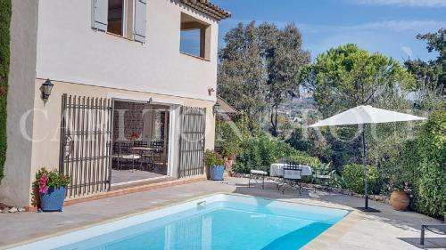 Luxus-Villa zu verkaufen LA COLLE SUR LOUP, 190 m², 4 Schlafzimmer, 1250000€