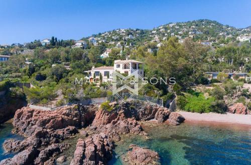 Villa de luxe à vendre THEOULE SUR MER, 350 m², 7 Chambres, 6900000€