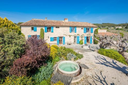 Casa di lusso in vendita PERTUIS, 380 m², 6 Camere, 1395000€