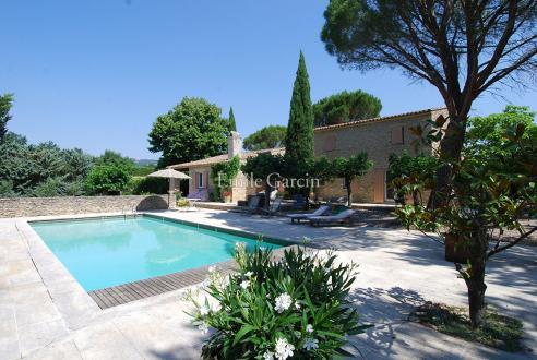 Maison de luxe à louer GORDES, 190 m², 4 Chambres