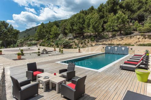 Luxe Domein  te koop LOURMARIN, 600 m², 6 Slaapkamers