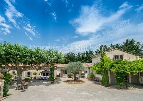 Luxus-Haus zu verkaufen EYRAGUES, 650 m², 10 Schlafzimmer, 4900000€