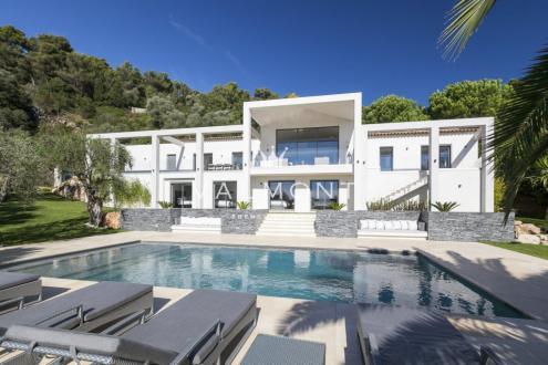 Maison de luxe à louer VILLEFRANCHE SUR MER, 400 m², 6 Chambres