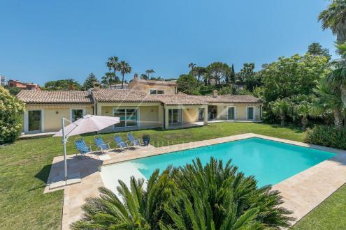 Luxury Villa for sale CAP D'ANTIBES, 295 m², 6 Bedrooms
