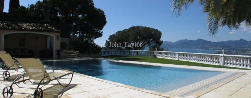 Luxury House for rent CANNES LA BOCCA, 4 Bedrooms,