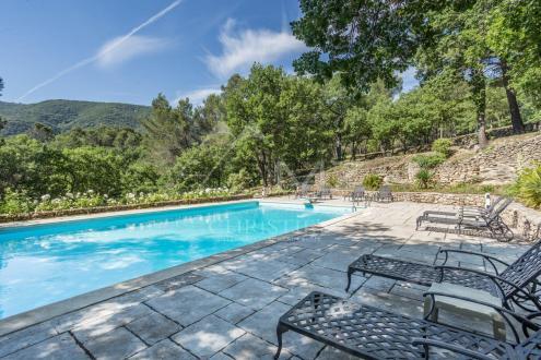 Luxury House for rent BONNIEUX, 340 m², 5 Bedrooms,