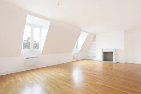 Appartamento di lusso in affito PARIS 8E, 117 m², 2 Camere, 4243€/mese