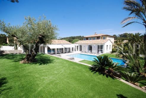 Maison de luxe à louer SAINT TROPEZ, 325 m², 5 Chambres
