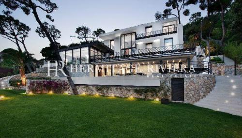 Luxury House for rent VILLEFRANCHE SUR MER, 300 m², 6 Bedrooms