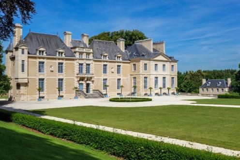 Castello/Maniero di lusso in vendita CAEN, 2000 m², 16 Camere