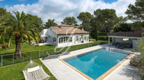 Luxury Property for sale MOUGINS, 310 m², 5 Bedrooms