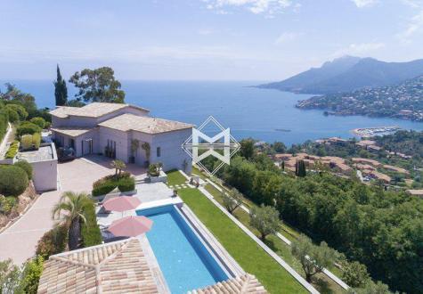 Villa de luxe à vendre THEOULE SUR MER, 395 m², 6 Chambres, 4700000€