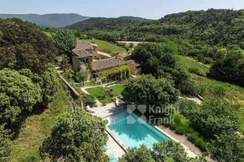 Farm di lusso in vendita RUSTREL, 618 m², 12 Camere