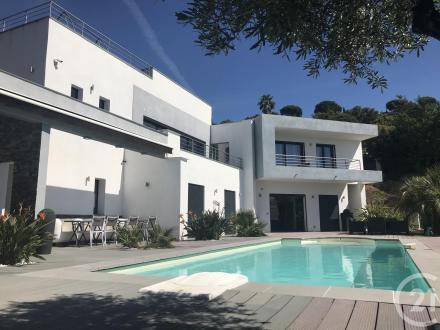 Maison de luxe à vendre CAVALAIRE SUR MER, 358 m², 10 Chambres, 2625000€