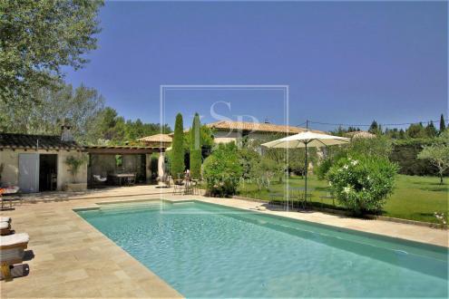 Luxury House for rent SAINT REMY DE PROVENCE, 330 m², 4 Bedrooms