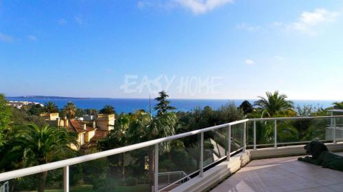 Квартира класса люкс на продажу  Канны, 131 м², 3 Спальни, 2300000€