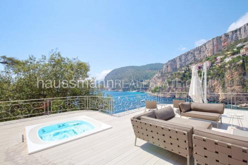 Maison de luxe à louer CAP D'AIL, 588 m²