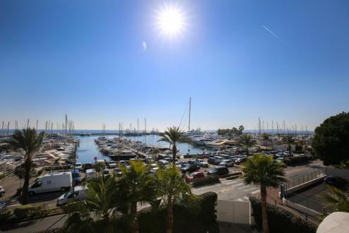 Villa de luxe à vendre LE GOLFE JUAN, 300 m², 5 Chambres, 4300000€