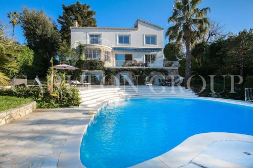 Luxury House for rent CAP D'ANTIBES, 450 m², 5 Bedrooms