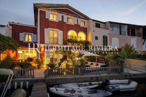 Maison de luxe à louer GRIMAUD, 400 m², 8 Chambres,