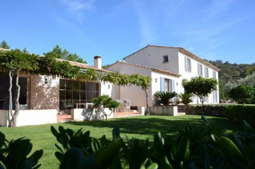 Casa di lusso in vendita GRIMAUD, 317 m², 8 Camere